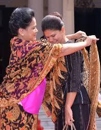 Batik Iriana Jokowi